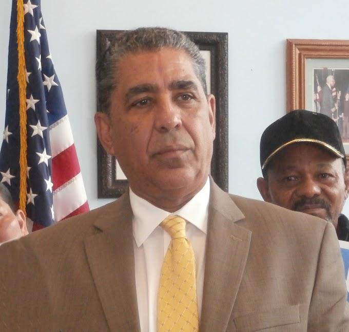 Espaillat declara en luto a EEUU por asesinatos de 11 judíos en sinagoga de Pensilvania