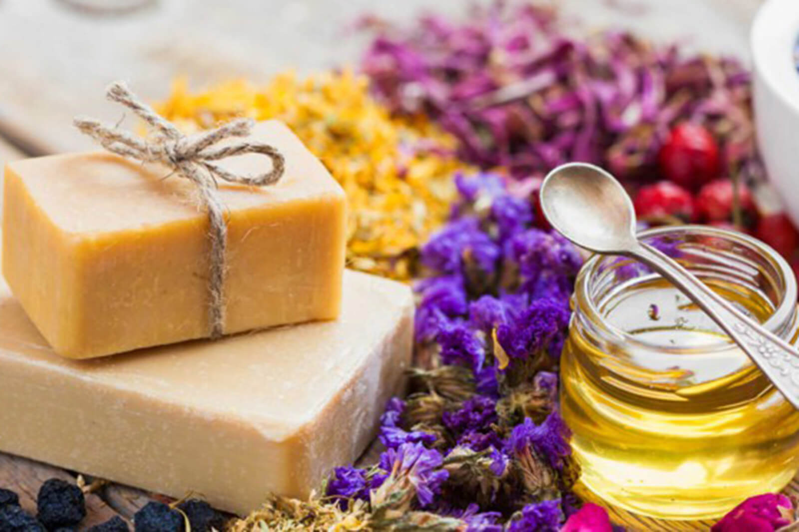 savon cosmetique sans savon savon surgras saponification à froid savon est-ce mauvais pour la peau