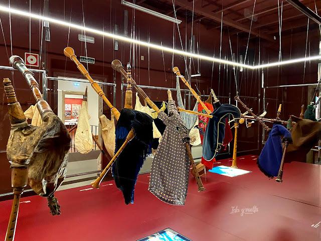 Museo del Pueblo de Asturias gaitas