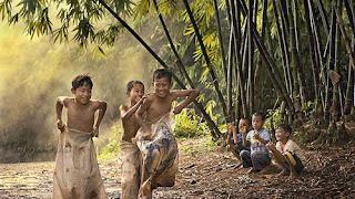 Permainan Tradisional Anak Balap Karung