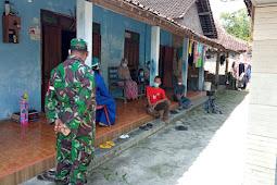 Babinsa Karangdowo Bantu Evakuasi Pasien Covid Ibu Hamil Ke Rumah Sakit