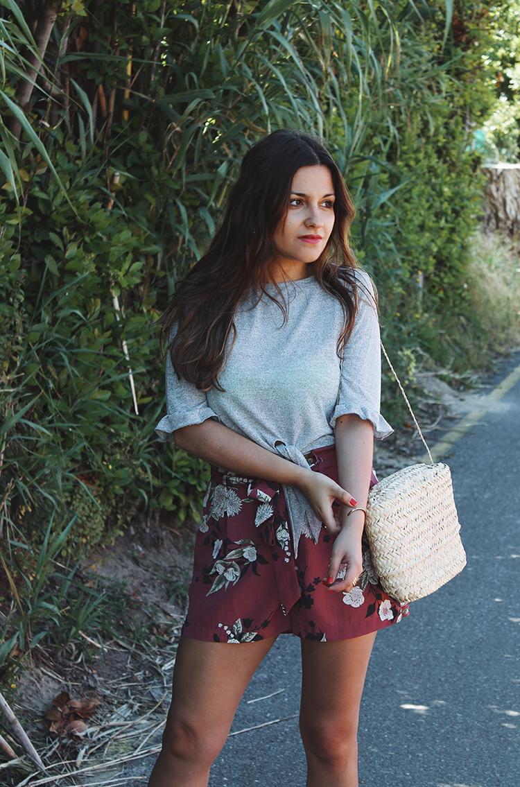 outfit verano shorts flores moda