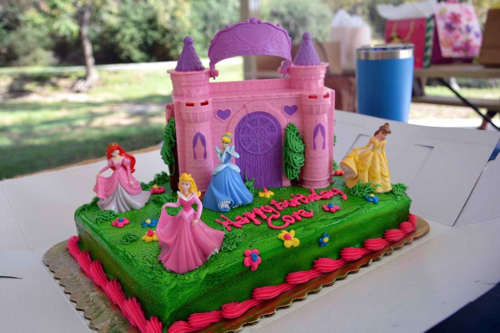 Lag Liv Coras Princess Cake Park Party