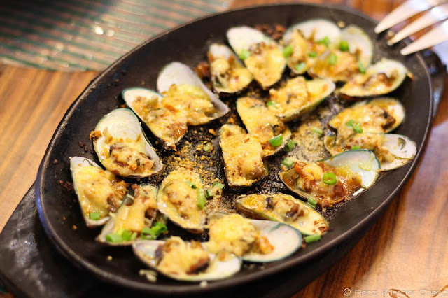 Seafood Goodness: Grilled Mussels (Tahong)