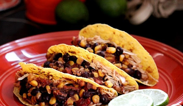 Southwestern Crockpot Chicken Tacos #dinner #lunch