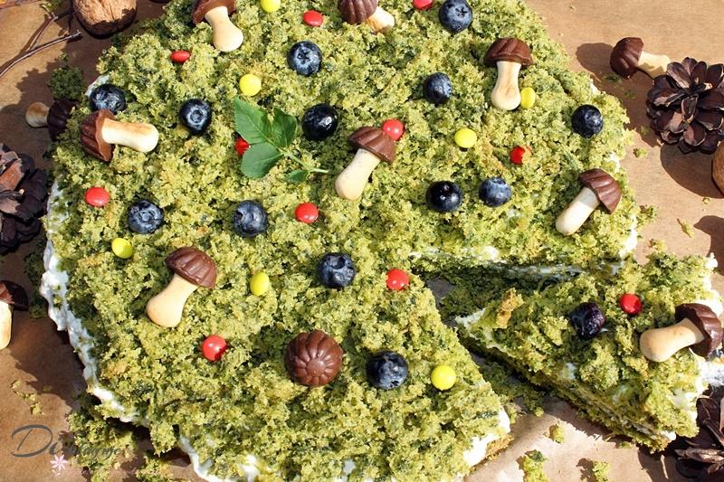 Leśny mech, czyli ciasto szpinakowe z bitą śmietaną