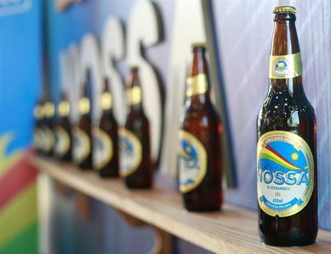 Conheça a cerveja pernambucana 'Nossa' feita de mandioca com receita de Araripina-PE