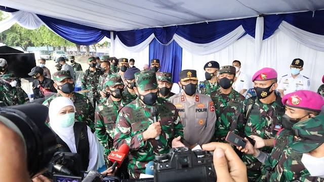 Kasal dan Kakor Sabhara Tinjau Pelaksanaan Vaksinasi Pekerja Pelabuhan Tanjung Perak