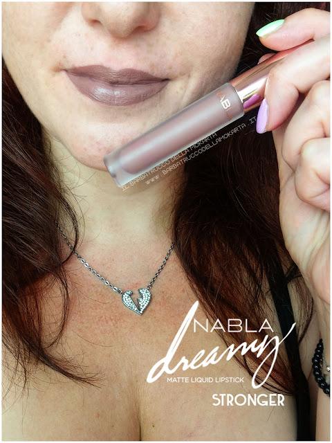 stronger Dreamy Matte Liquid Lipstick rossetto liquido nabla cosmetics applicazione mouth labbra
