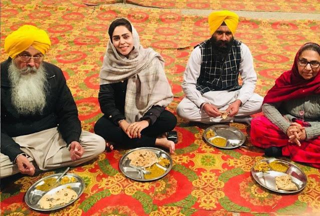 Jenny Johal eat Langar in gurdwars
