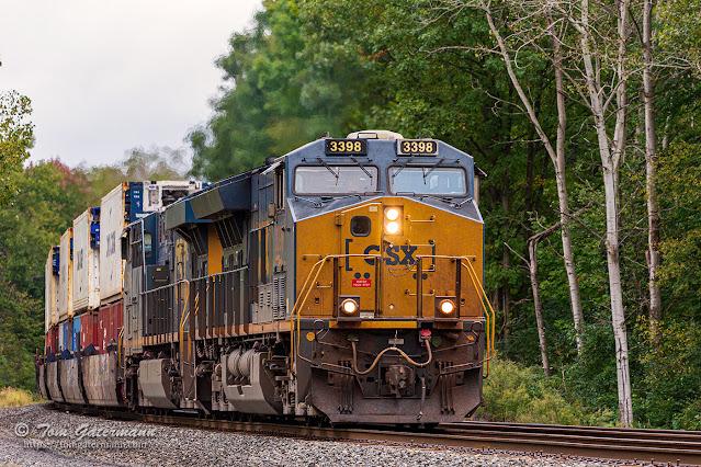 CSXT 3398 and CSXT 5316 leading train Q169-29