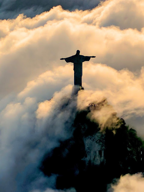 FEEL THE MAGIC IN THE AIR OF FASCINATING CITY RIO DE JANEIRO