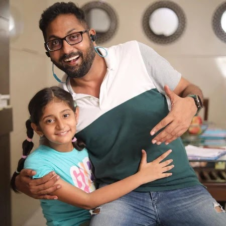 Anantaya Anand with her father Ankur Anand