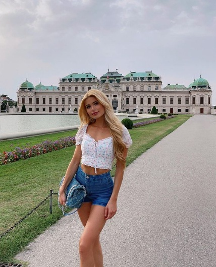 Pamela Reif Fitness Influencer, Age, Height, Boyfriend, Career, Wiki, Biography and more - Stars Biowiki