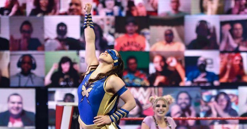 Nikki Cross aparece com novo visual no WWE RAW