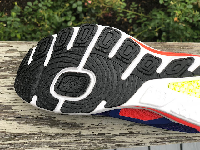 ae218f8b5e3841 The forefoot outsole is well segmented with what Reebok calls the Power Pad  on the medial side. This rectangular pad surrounded by considerable rubber  seems ...