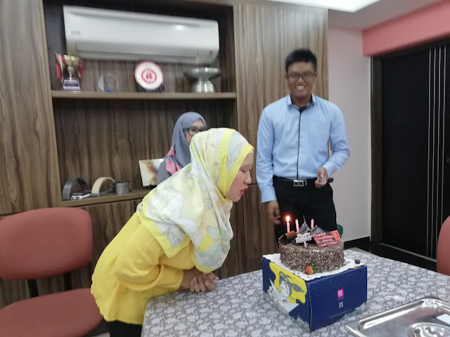 Sambutan Birthday di Ofis