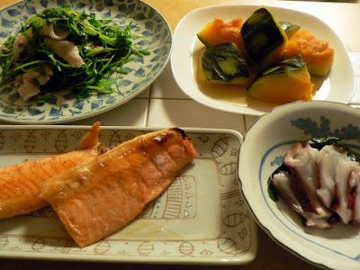 夕食の献立 献立レシピ 飽きない献立 ハラス 豆苗蒸豚 生ワカメとタコ かぼちゃ