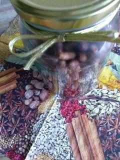 Kakaowa granola z daktylami