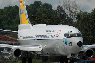 Boeing 737-200 TNI AU