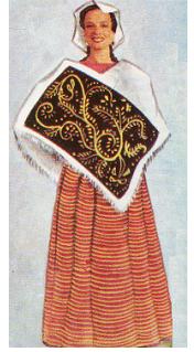 4f78b1e3a4 El traje típico. Es el Quexquemetl bordado