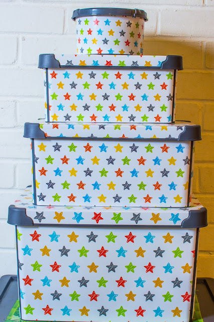 Set of 4 Maqio IML Print storage boxes with stars on