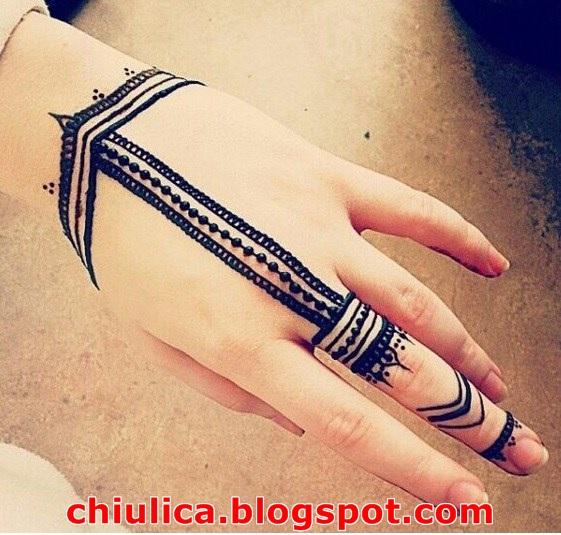gambar henna kaki, desain henna untuk pemula, henna tangan sederhana dan mudah, motif henna bunga, henna simple dan cantik, henna simple terbaru, cara henna tangan, henna telapak tangan simple