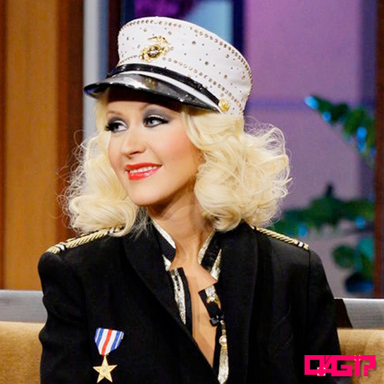 "Baby Jane is back! Christina Aguilera apresenta ""Candyman"" no Jay Leno!"