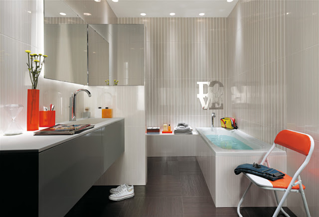 THERE MUST BE FEW ELEMENTS IN THE DESIGN OF SMALL BATHROOMS
