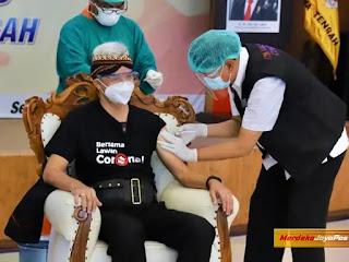 Kapolda Jateng Disuntik Vaksin Sinovac DiRSUD Tugurejo Semarang Kamis 14 Januari 2021