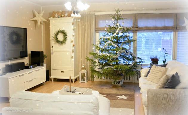 joulu koti ektorp joulukuusi olohuone sisustus vaaleakoti