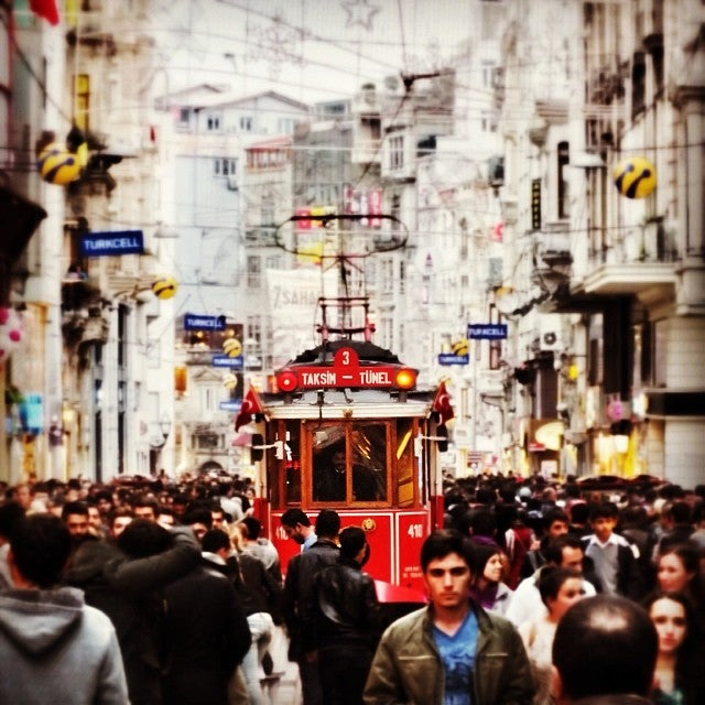 شارع الاستقلال | اسطنبول | السياحة فى تركيا