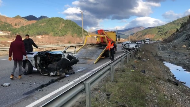 Grave car accident in Rubik, one dead and 8 injured