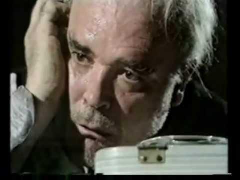 Πάτρικ Μαγκί, σε σκηνή από το: «Η τελευταία μαγνητοταινία του Κραπ»
