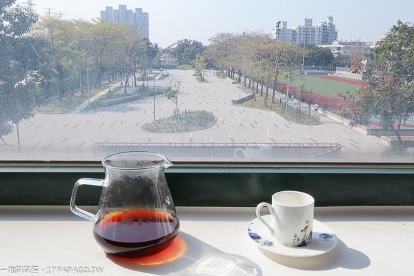 台中大里|coepi可艾比咖啡餐館|公園第一排視野|空間寬敞舒適|充滿綠意|纖博館內