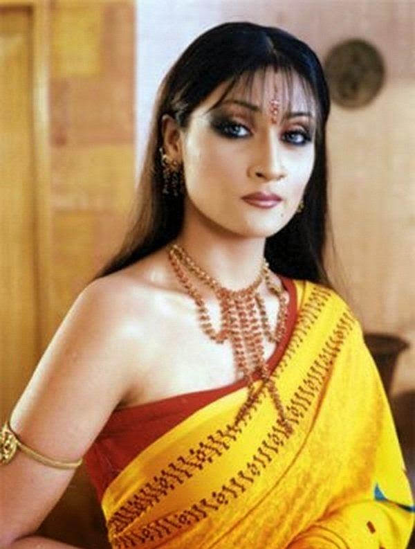 urvashi dholakia fakes naked