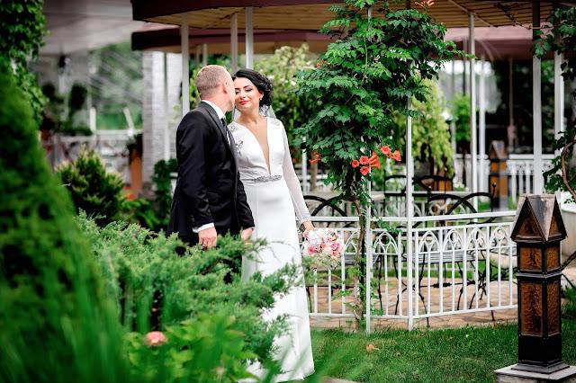красивые места для фотосессии в Днепре. красивые фото Днепра. свадебные фото Днепра. Свадебный фотограф Днепр. ресторан камелот