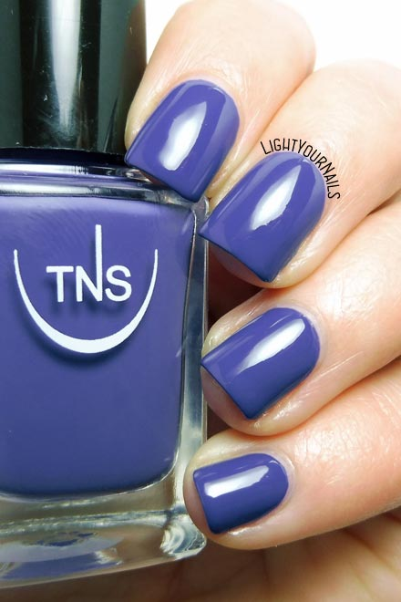 Smalto blu TNS 535 Capri (Bon Ton 2018) blue nail polish #tnsfirenze #lightyournails #unghie #nails