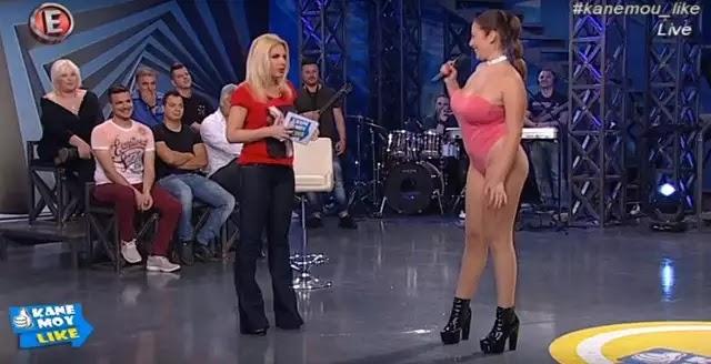 Η μαθήτρια-χορεύτρια ξανα εμφανίστηκε με το τολμηρό της ντύσιμο!!!