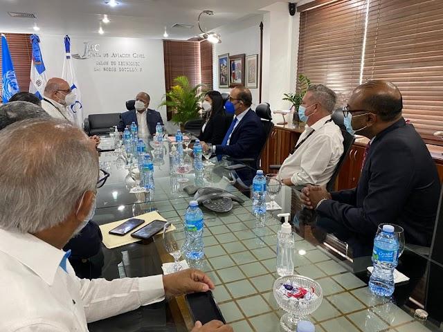 Presidente de la Junta de Aviación Civil se reúne con empresarios del sector aeronáutico Dominicano