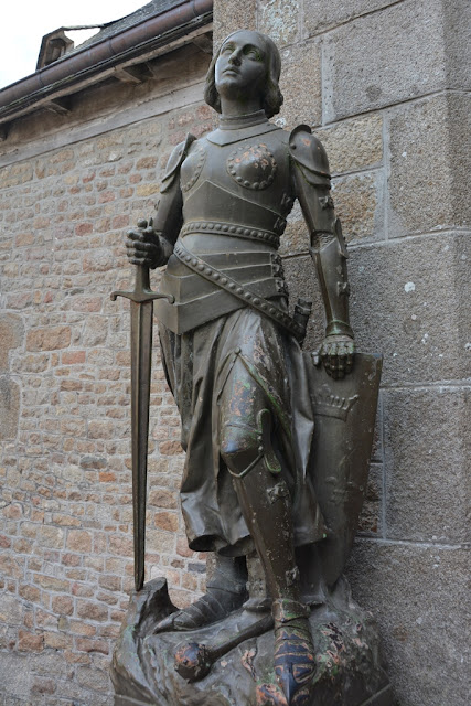 Mont Saint-Michel city knight