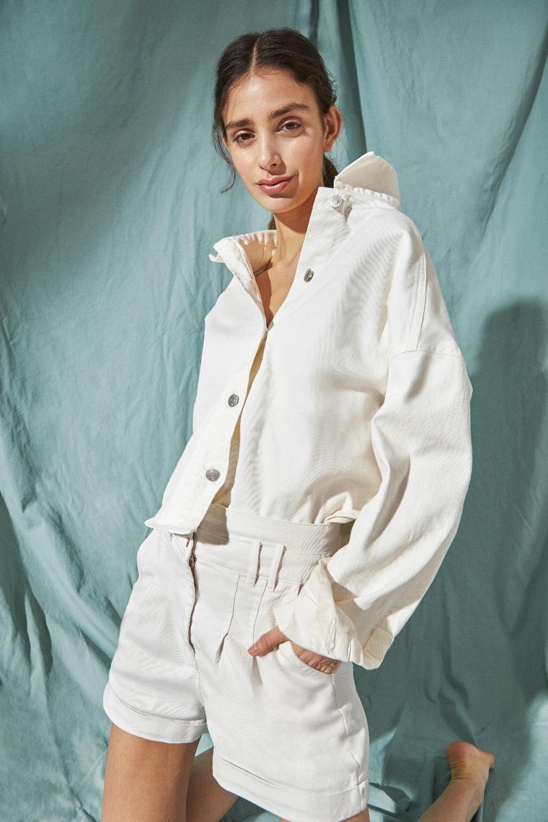 campera corte jean blanca moda verano 2021