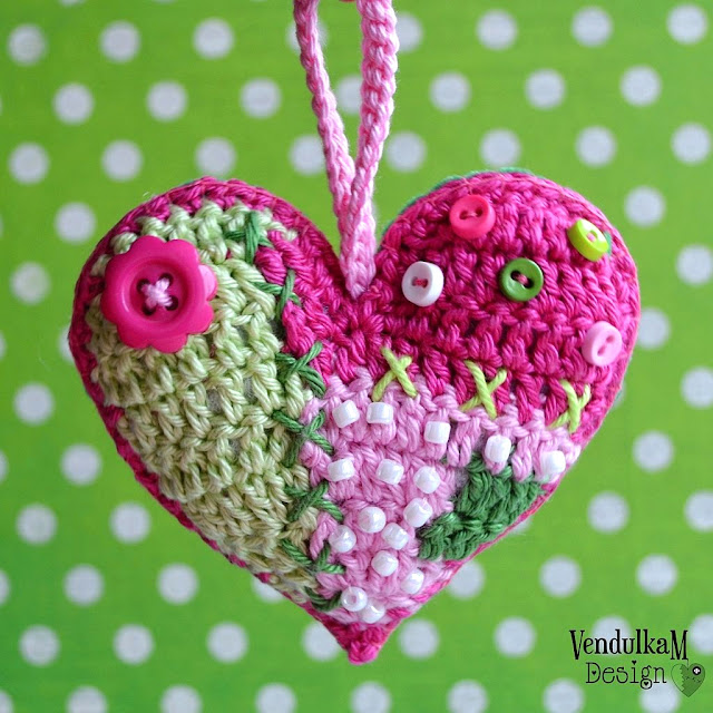 Crochet patchwork heart pattern