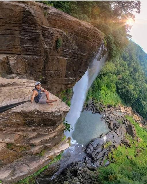 පහන් ලක්ෂයක් ආලෝකවූ - ලක්ෂපාන දිය කොමළී ☘️🍃🎋🧗🏻♀️🧗🏾♂️ (Lakshapana Diya Ella - Lakshapana Fall) - Your Choice Way