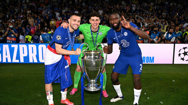 Kovacic, Kepa, Rudiger pose with the champions league trophy