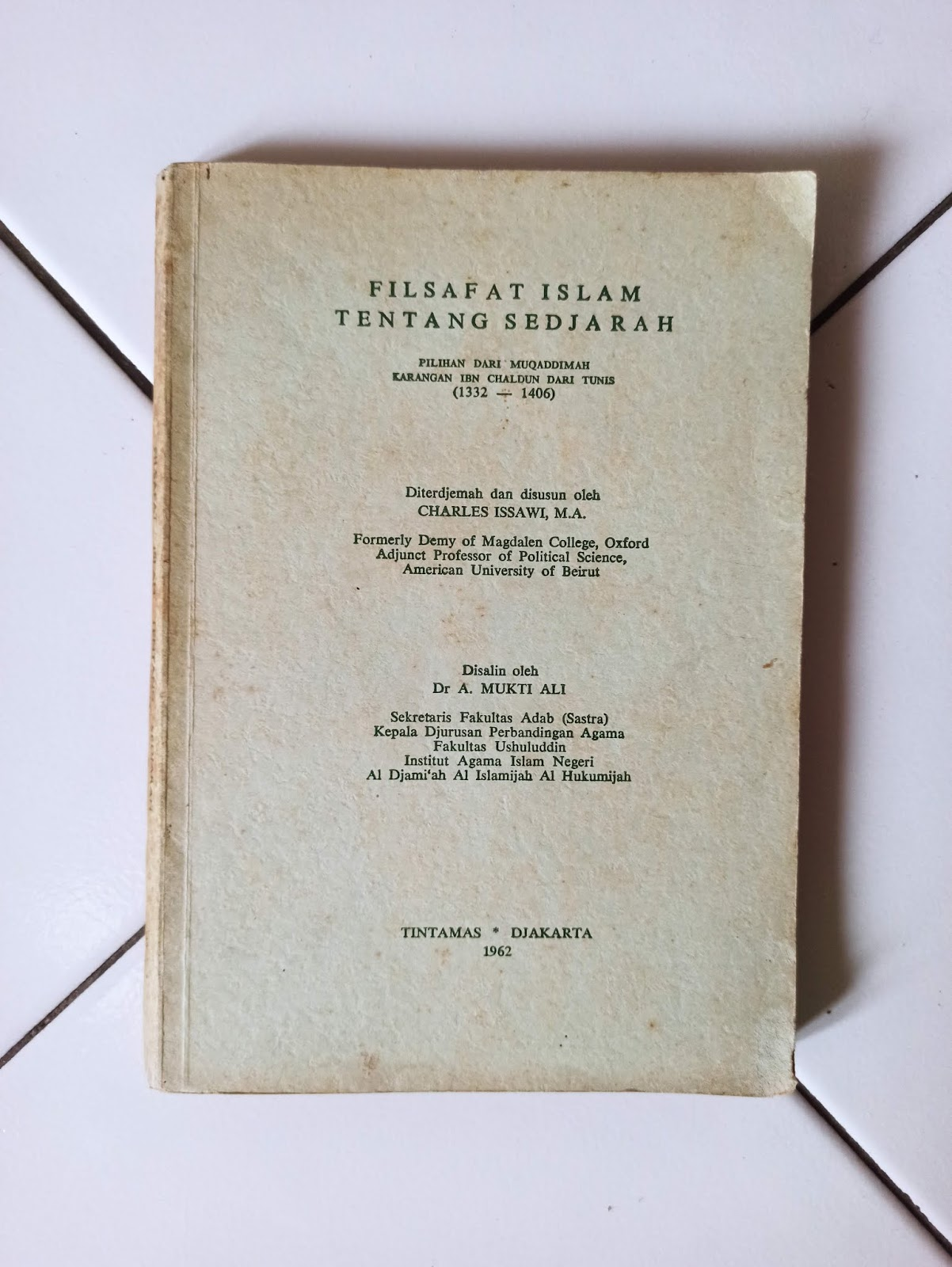 Buku langka Filsafat Islam Tentang Sedjarah