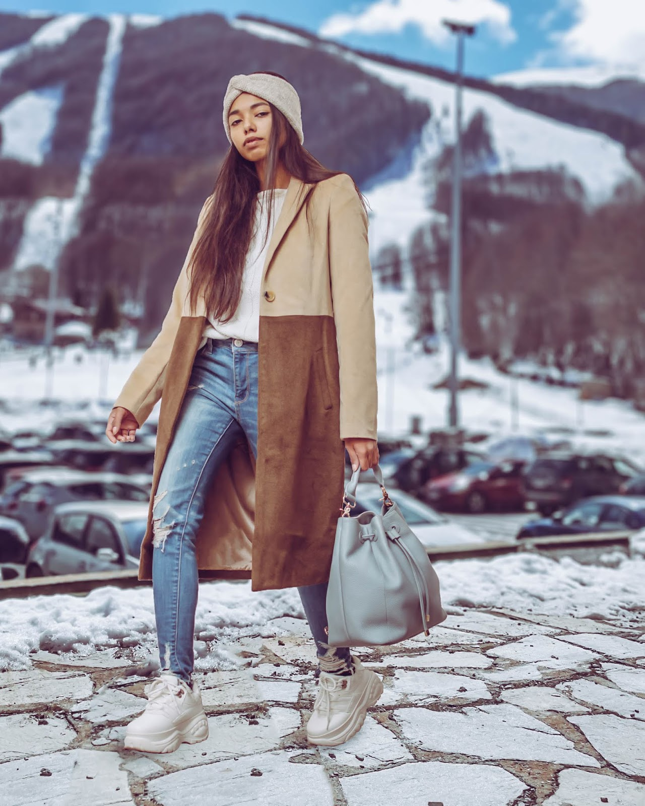 903584057c Comfortable travel outfit ideas for the Christmas holidays + December 2018  sales