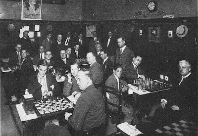 Sala de juego en el Café Novedades de Barcelona del Torneo Nacional de Ajedrez  1926