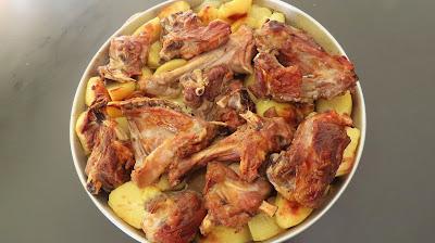 Nedjeljni Ručak-Janjetina ispod električne peke   Sunday Lunch-Roasted Lamb in Electric Round Oven