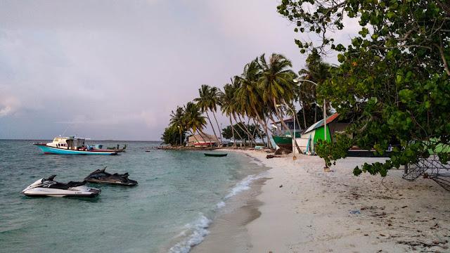 Playas Thulusdoo Maldivas